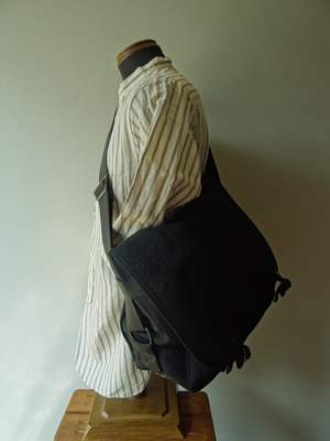 SLOW(スロウ) TRUCK - FRENCH ARMY SHOULDER BAG